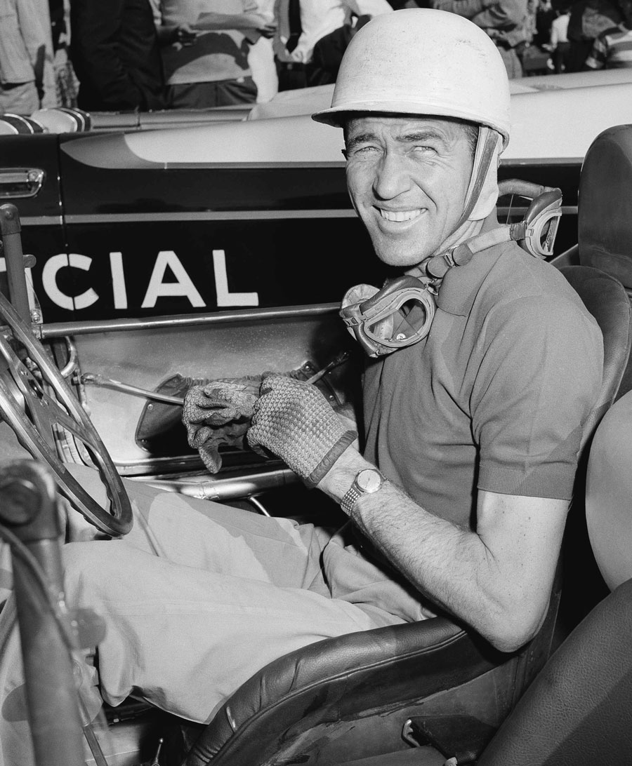 Carroll Shelby prepares for a time trial