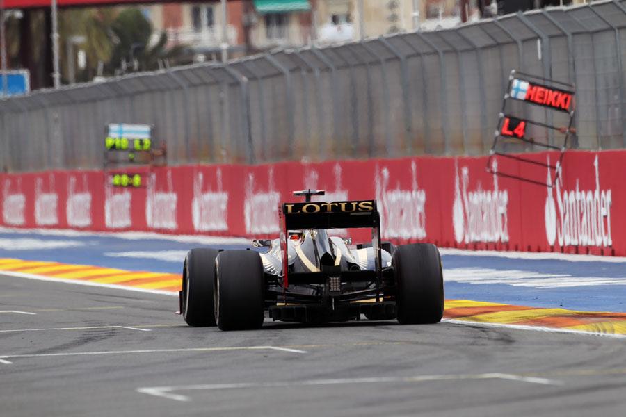 Kimi Raikkonen accelerates towards the start/finish line