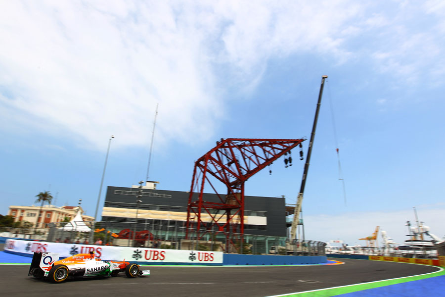 Nico Hulkenberg passes the crane at turn two