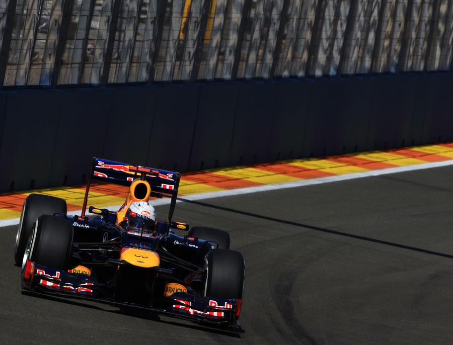 Sebastian Vettel attacks the circuit in FP3