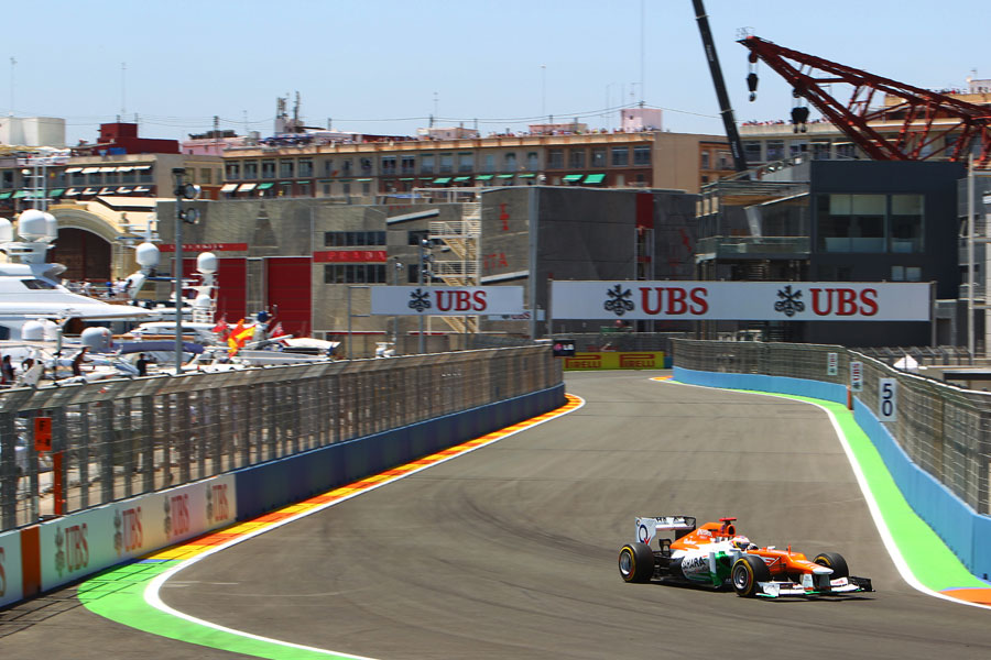Paul di Resta attacks turn four