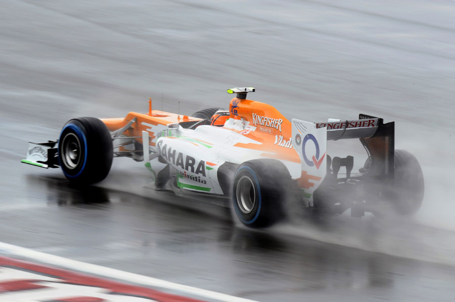 Nico Hulkenberg on the full wet tyres