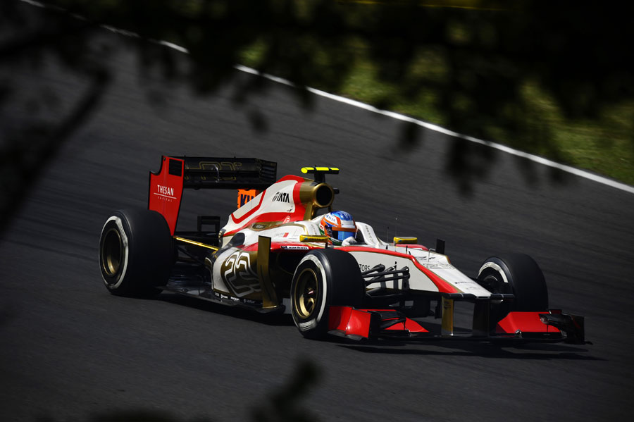 Narain Karthikeyan in the HRT during FP2
