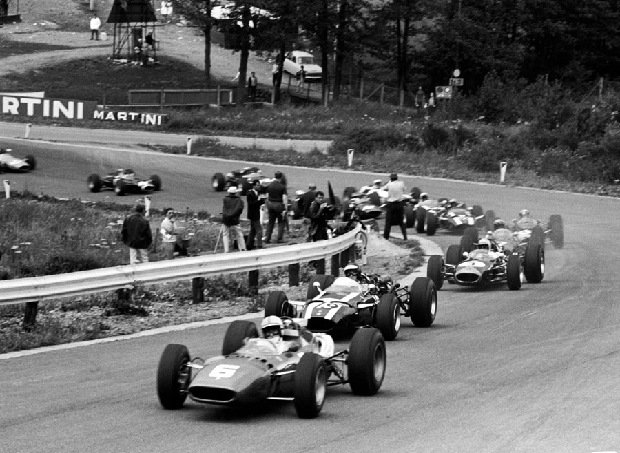 John Surtees leads the pack early in the race