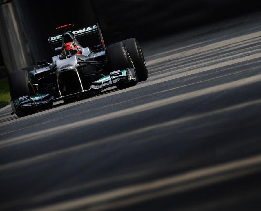 Michael Schumacher attacks the circuit
