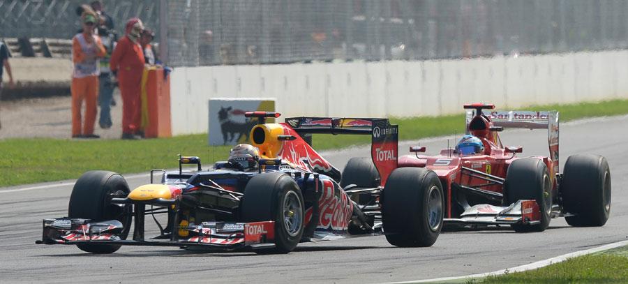 Fernando Alonso stalks Sebastian Vettel