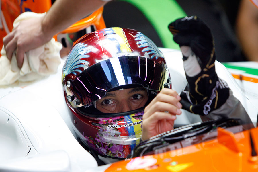 Rodolfo Gonzalez prepared for a run in the Force India