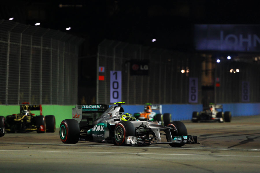 Nico Rosberg aims for the apex at turn seven