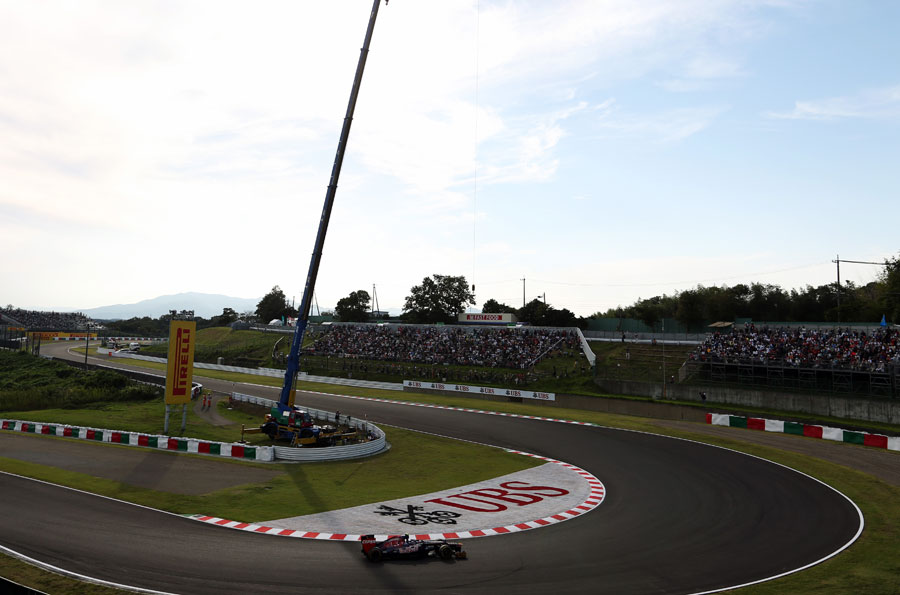 Jean-Eric Vergne rounds the hairpin