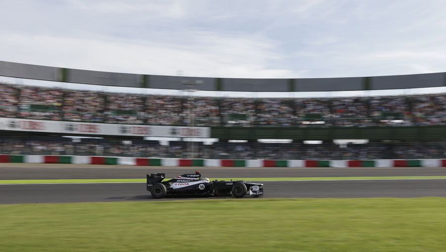 Pastor Maldonado at speed in the first sector