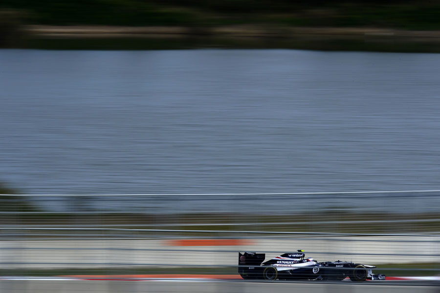 Valtteri Bottas at speed through the final sector