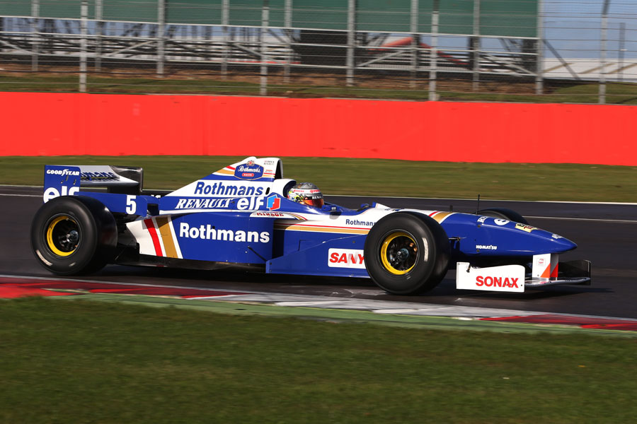 Pastor Maldonado drives the Williams FW18