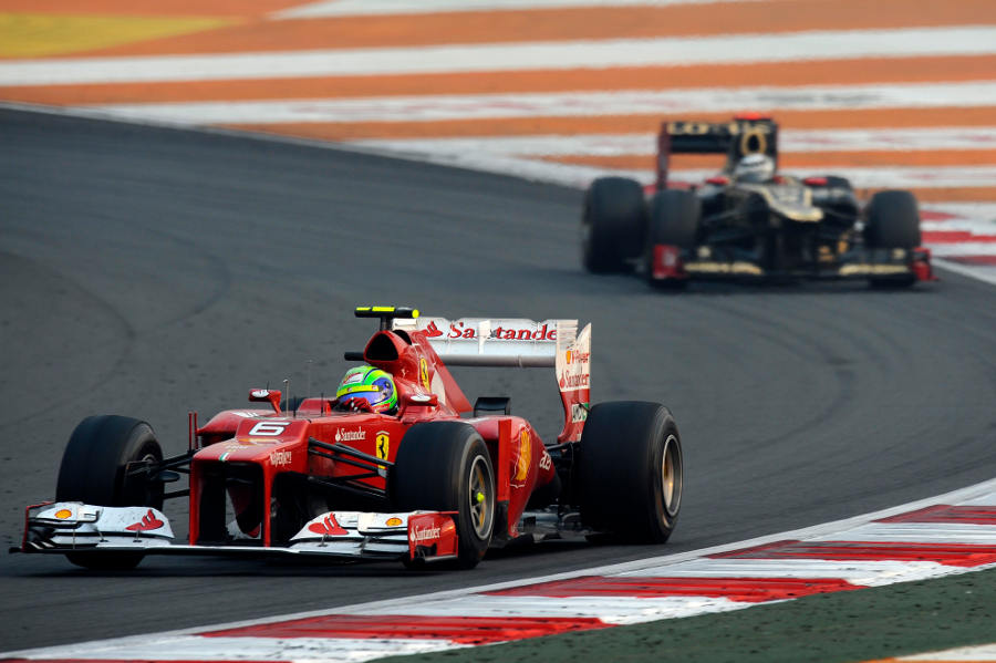 Felipe Massa leads Kimi Raikkonen late in the race