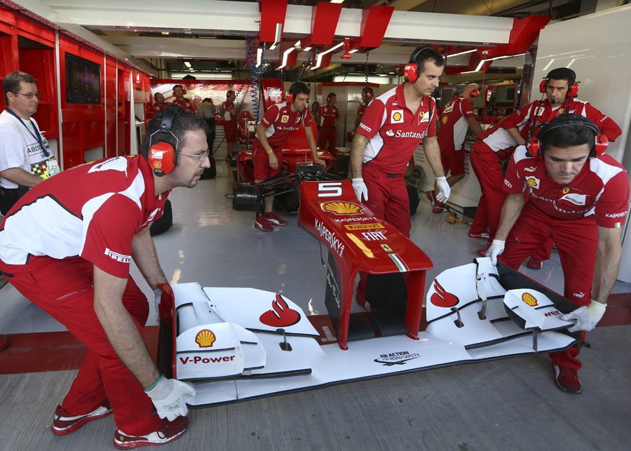 Ferrari changes Fernando Alonso's front wing