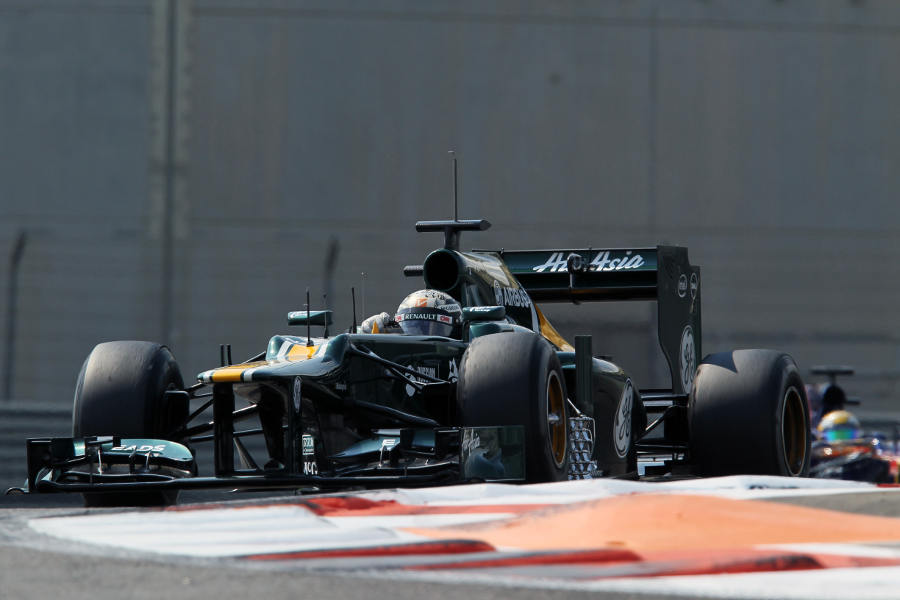 Giedo van der Garde attacks turn 13
