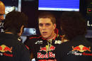Luiz Razia speaks to the Toro Rosso engineers