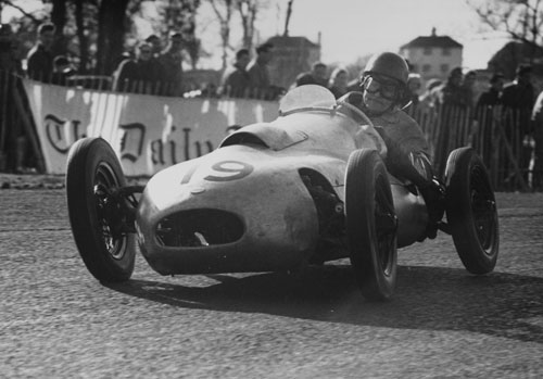 Paul Emery in his 500cc Emeryson