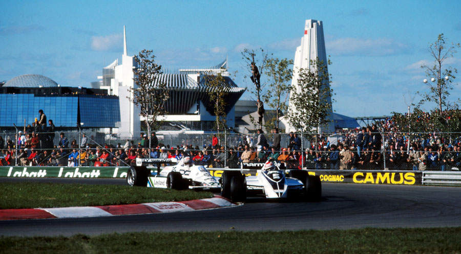 Nelson Piquet leads Alan Jones early in the race