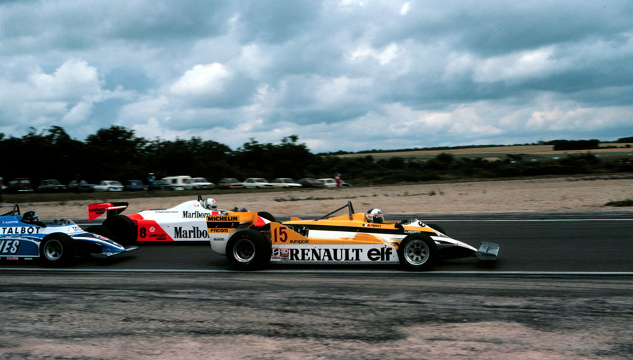 Alain Prost laps Andrea de Cesaris