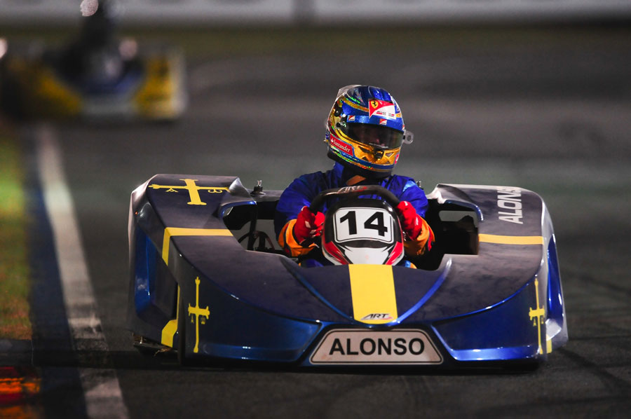 Fernando Alonso makes his debut at Felipe Massa's karting challenge