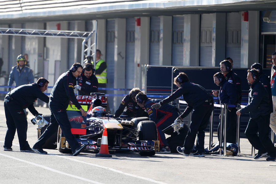 Jean-Eric Vergne pits in the STR8