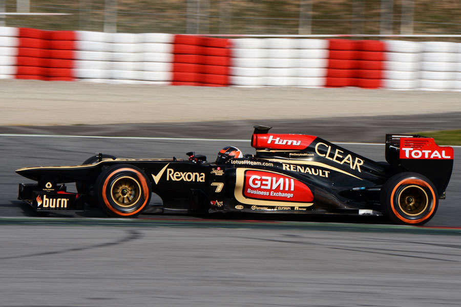 Kimi Raikkonen on track on the hard tyres