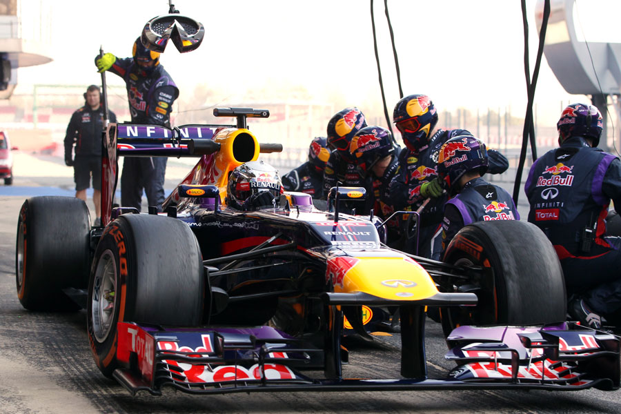 Red Bull completes some pit stop practice