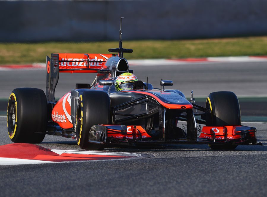 Sergio Perez takes on the chicane on soft tyres
