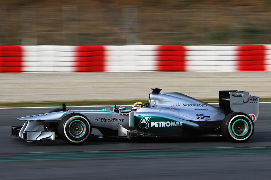 Lewis Hamilton on medium tyres late in the day