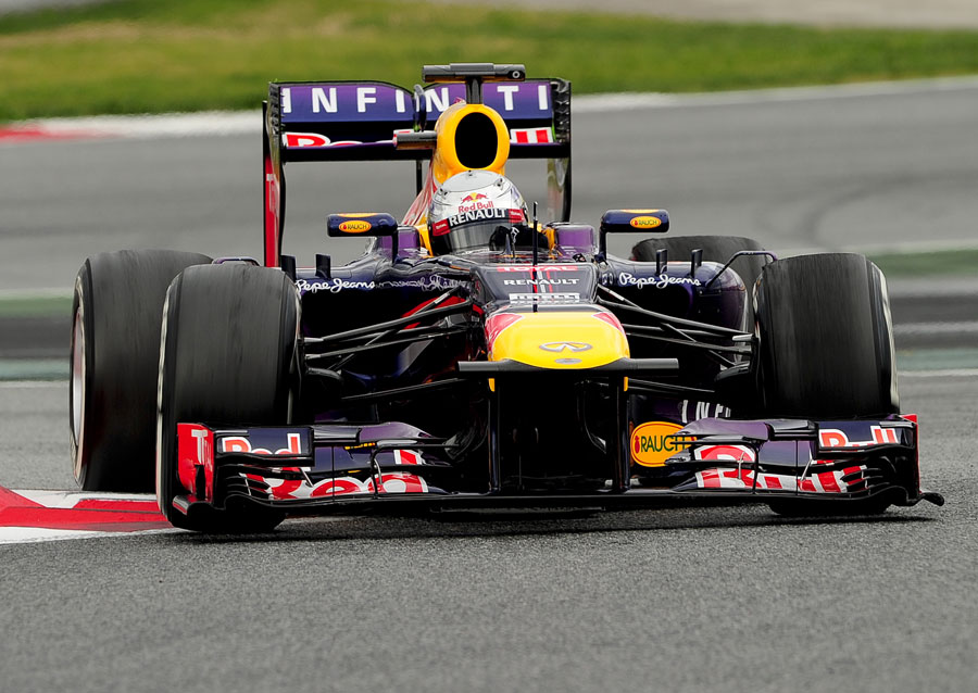 Sebastian Vettel attacks the final chicane