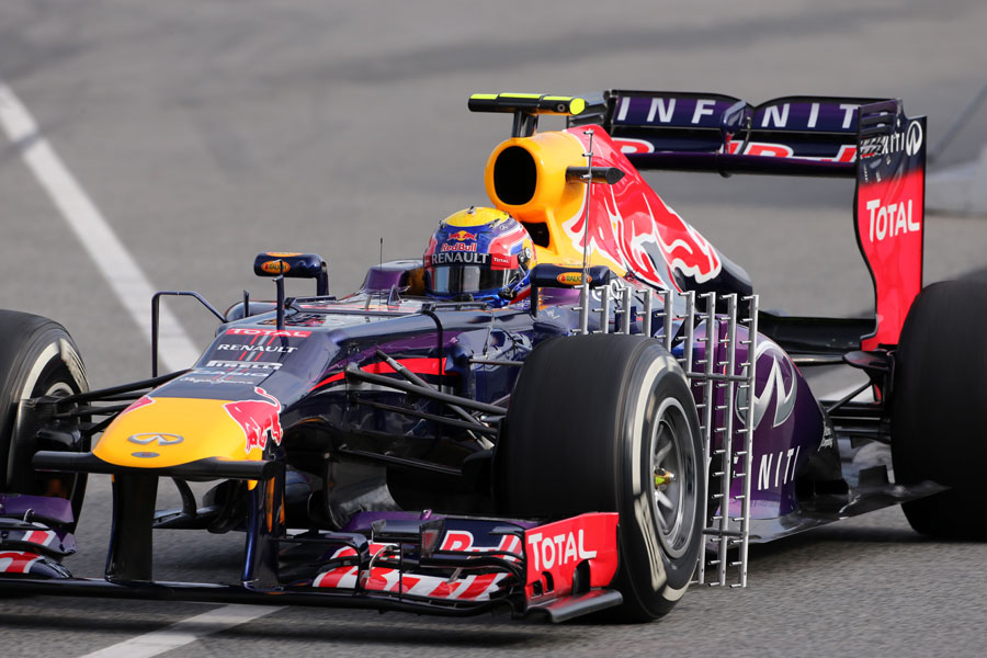Mark Webber runs an aero sensor on the Red Bull