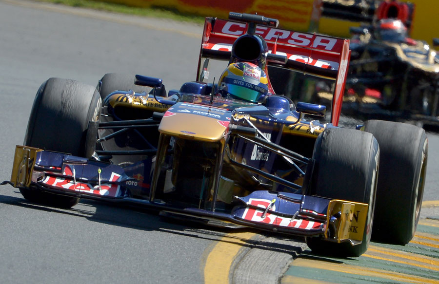 Jean-Eric Vergne powers through a corner