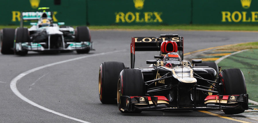 Kimi Raikkonen moves away from Lewis Hamilton