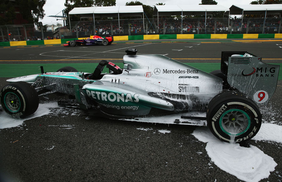 Nico Rosberg retires early with electrical problems