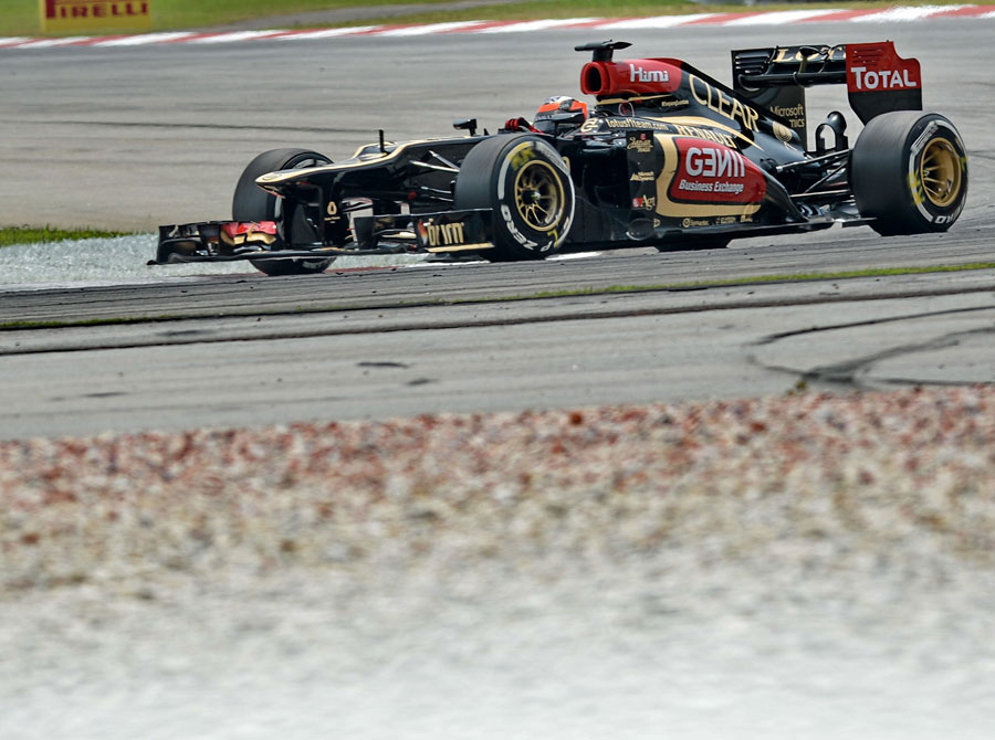 Kimi Raikkonen on a medium tyre run