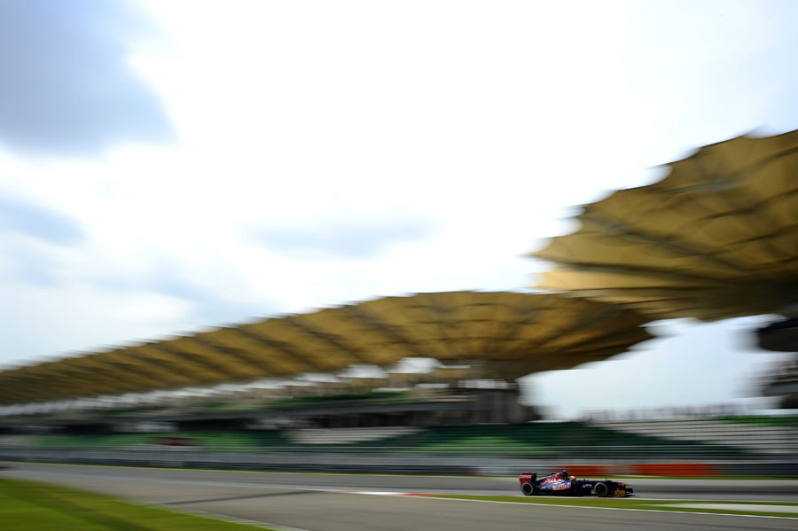 Jean-Eric Vergne attacks the final corner