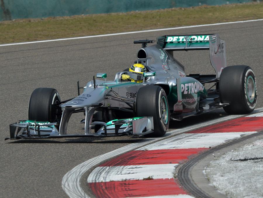 Nico Rosberg attacks the apex
