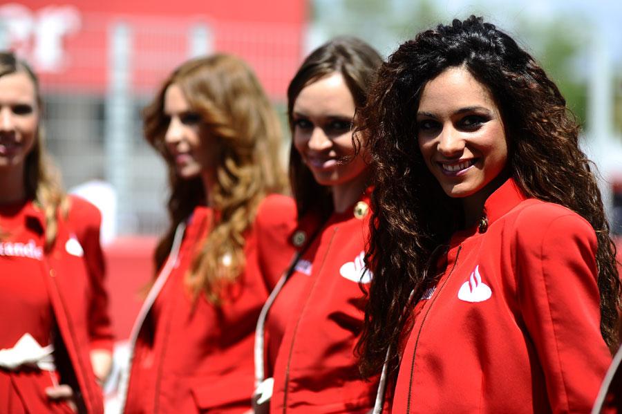 Santander grid girls prepare for the start of the race