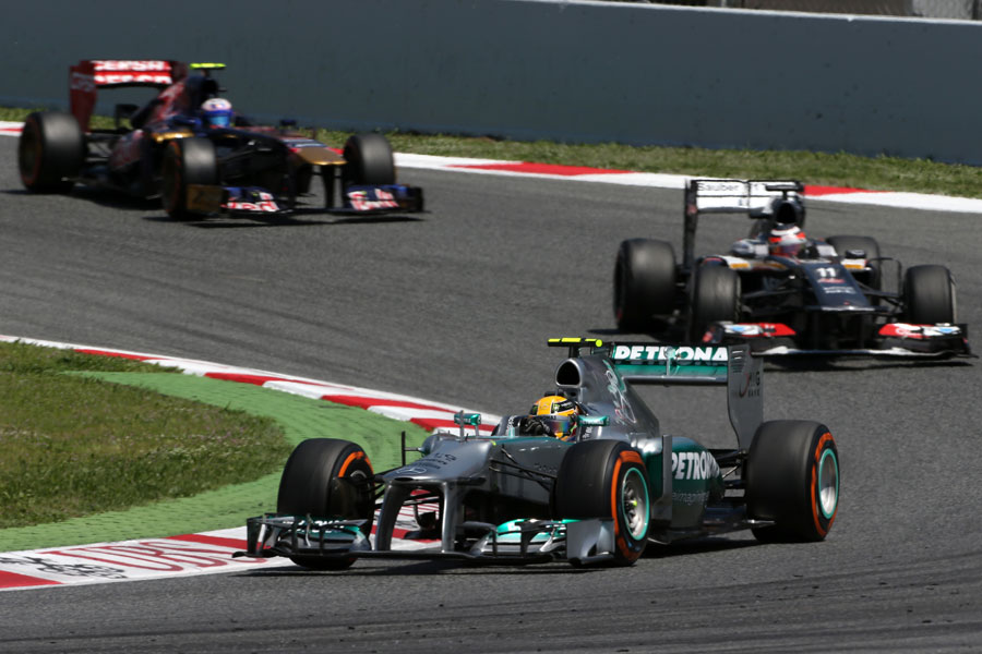Nico Hulkenberg closes in on Lewis Hamilton during the race