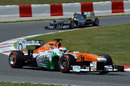 Paul di Resta rounds Turn Five ahead of Lewis Hamilton