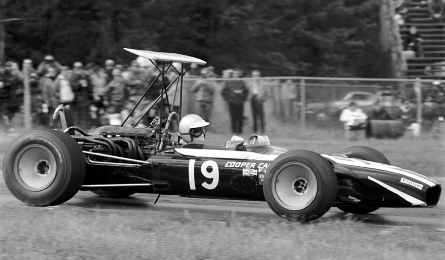Lucien Bianchi in his Cooper-BRM T86B