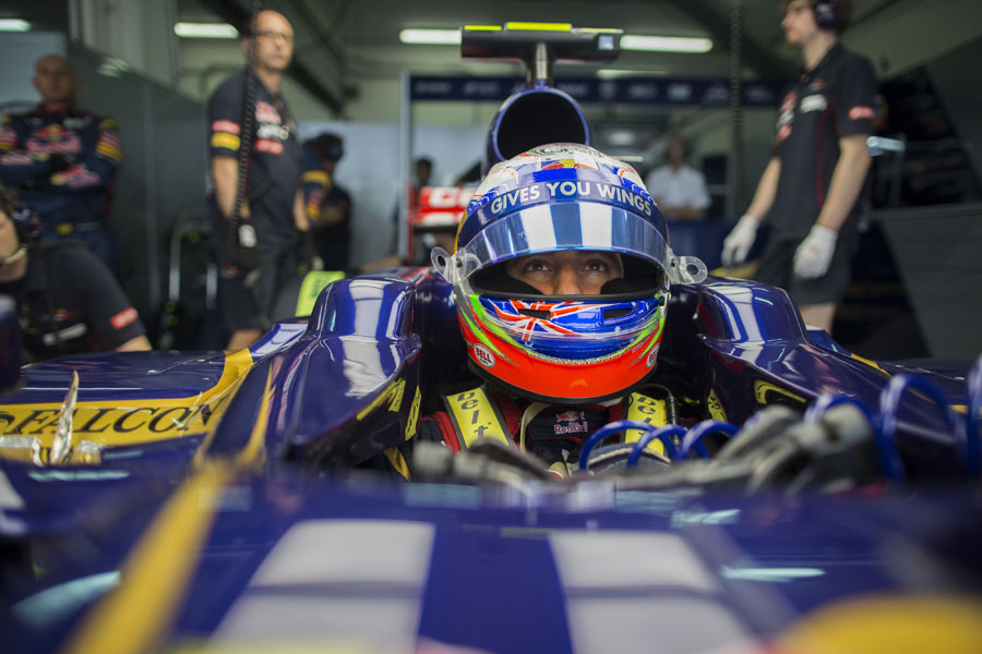 Daniel Ricciardo waits to head out to the grid