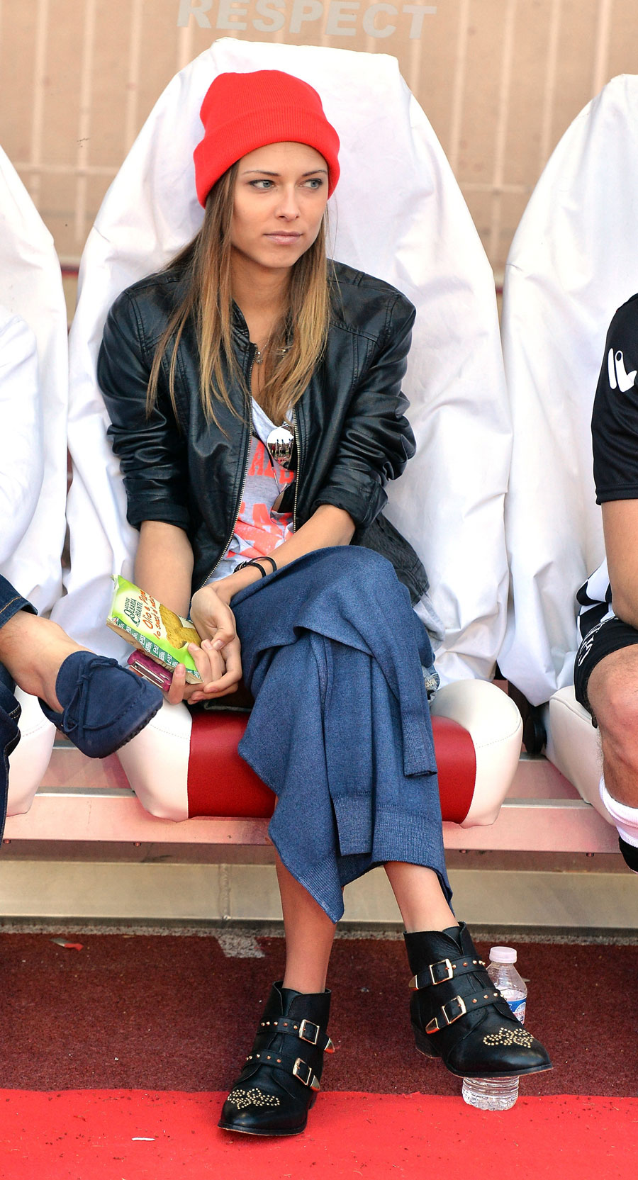 Dasha Kapustina, Fernando Alonso's girlfriend, watches the match