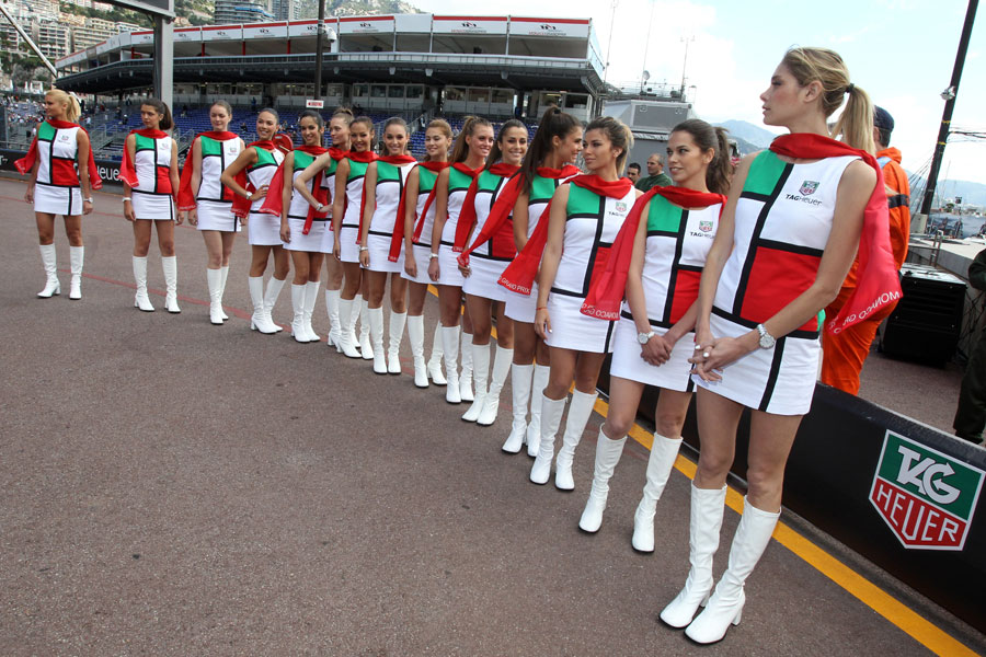Grid girls line up pre-race