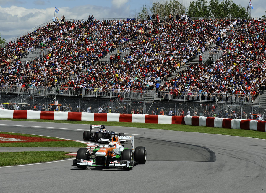 Paul di Resta leads Pastor Maldonado on track