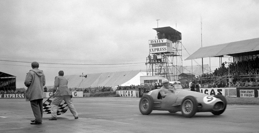1954年イギリスGPのスタート | R...