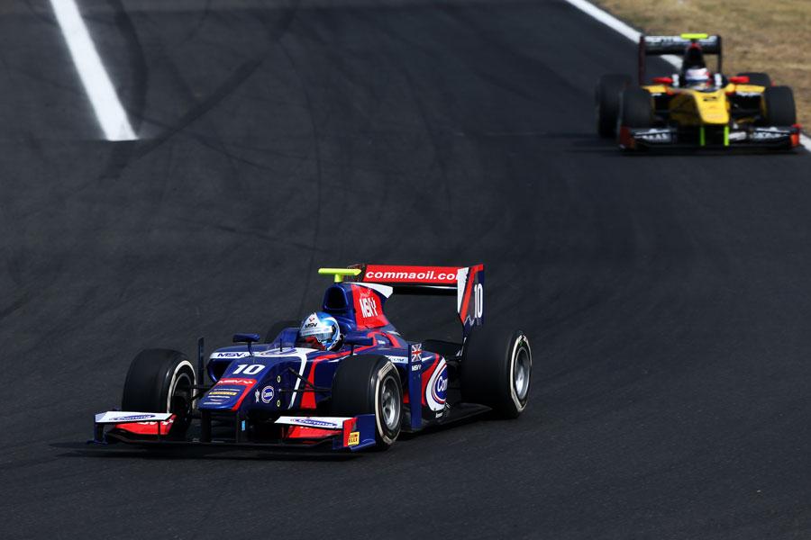 Jolyon Palmer leads Marcus Ericsson