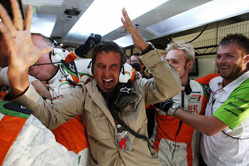Fisichella's manager celebrates his driver's pole at Spa