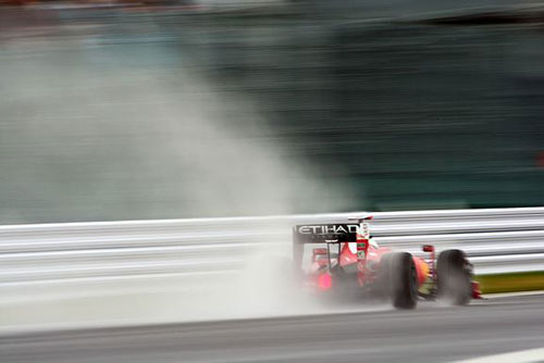 Raikkonen braves the conditions at Suzuka