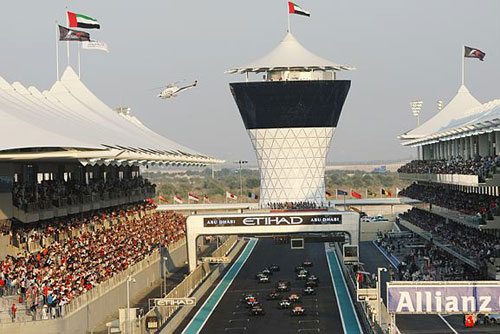 The start of the final race of the season at Abu Dhabi